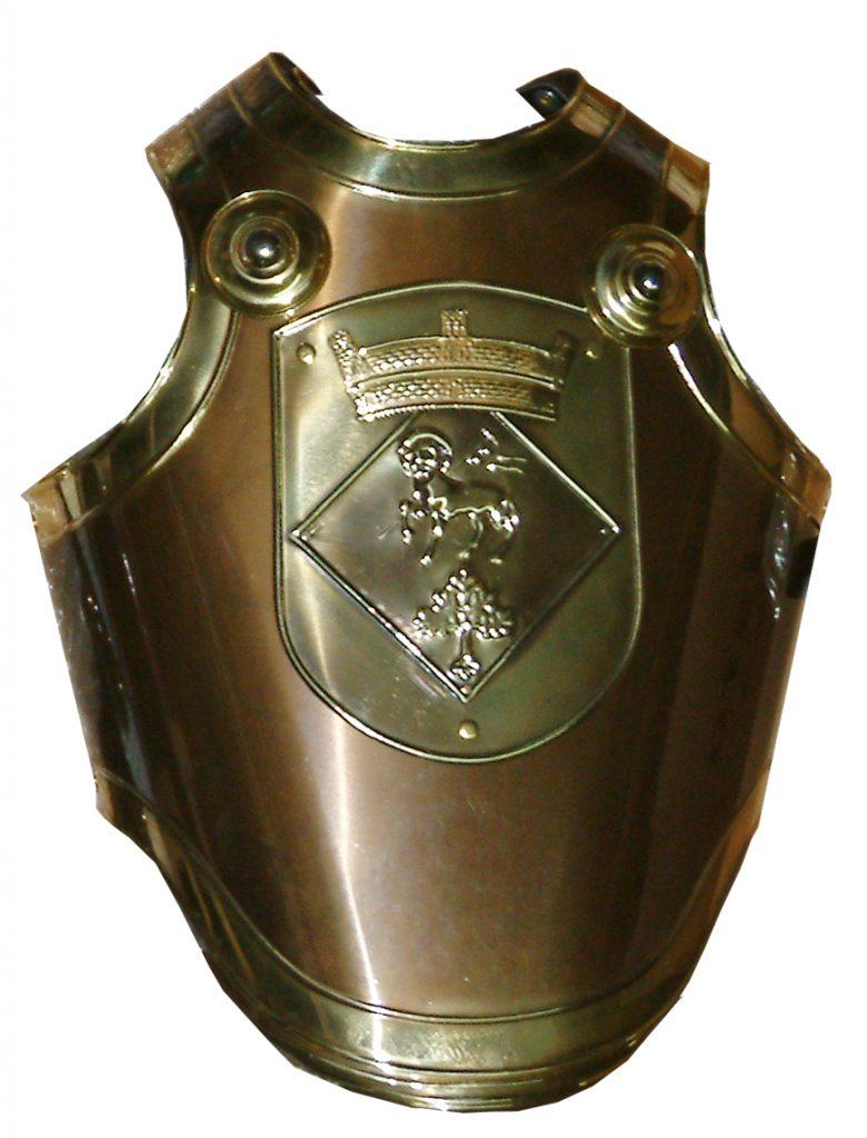 Coraza de Romano con el escudo de la Población, de la Cofradía